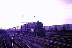 67 061 040367 Saltney Junction 45042 (The KDH archive) Tags: railway chester 1967 5f 45042 saltneyjunction