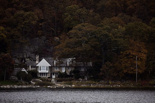house on Mystic River