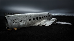 [ ... the eagle has landed ] (D-P Photography) Tags: black mountains plane canon dessert island iceland sand crashed glacier nd ash wreck ndgrad leefilters dpphotography bigstopper