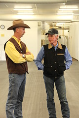 Mike & Todd talk before Todd begins his saddle fitting workshop.