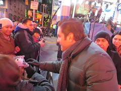 El Dasa, regional Mexican singer from Sonora Mxico greeting fans at the Times Square New Years Eve 2014 celebration in New York City USA (RYANISLAND) Tags: nyc mxico mexico nye el mexican spanish espanol timessquare sing latin singer newyearseve latino 12 13 mx regional mex dasa 2014 latinmen latinman felizaonuevo felizao 2013 mexicansinger regionalmexican miraquienbaila mxican eldasa regionalmexicansinger miraquienbaila felizaonuevo2014