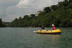 Schlauchboot ( Gummiboot ) auf der  Rhne ( Fluss - River ) unterhalb von Genf im Kanton Genf - Genve in der Schweiz (chrchr_75) Tags: water juni river boot schweiz switzerland boat wasser suisse swiss rhne christoph svizzera fluss jolla canot dinghy bote rhone schlauchboot 2014 suissa 1406 jolle gummiboot sloep chrigu schlauchboote  chrchr hurni chrchr75 chriguhurni chriguhurnibluemailch gummiboote juni2014 albumrhne hurni140603 albumrhone albumschlauchbootegummibooteunterwegsinderschweiz albumrhneflussriver
