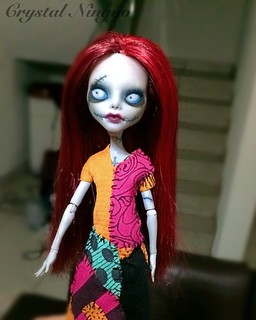 My first custom commission doll ever! She's Sally, she has been adopted! #sally #custom #monsterhigh #ooak #repaint #ghoulia