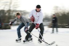 Pondhockey Paterswoldsemeer (SvdS Fotografie) Tags: outdoor ijshockey pondhockey natuurijs paterwoldsemeer