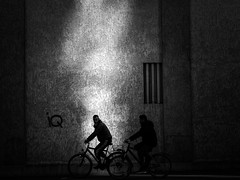 iQ (Sandy...J) Tags: olympus monochrom fotografie mono noir sonnenlicht white wall wand atmosphere atmosphre blackwhite bw black bavarian bayern bike bicycle people photography fahrrad city deutschland darkness dark dunkelheit einfarbig germany menschen shadow light silhouette licht lines linien man mann mauer urban street streetphotography sw schwarzweis strasenfotografie stadt sunlight strase stimmung