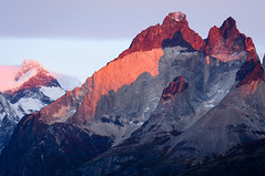 Alpenglow and Shadow (Waldemar*) Tags: southamerica latinamerica patagonia chile torresdelpaine nationalpark parquenacional magallanes mountains andes peak peaks alpenglow light rocks shadow color nikon d7100 afs70200mmf28gvrii