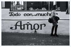 With Love (oiZox) Tags: todo con mucho amor love cordoba andaluca spain november 2016 zox zoximage orlandoimperatore ombreeluci walking restaurant town travelling urban urbano incontri people paseo nikon negro light lux licht life luz libre lines ladies happy happiness gente girl fotourbana d750 depthoffield streetphotagraphy street shadow calle city citta callejera blackwhite blanconegro bw monochrome monocromatico mono