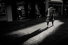 "Day 73/365_Shadow (Frédéric Cottens - Photographie ""brute"") Tags: street streetsofmine xt2 fuji bw day73 365 basel switzerland shadow lady kontrast scarf passion award"