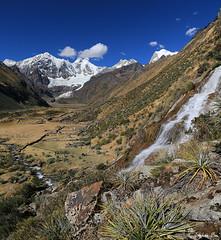 Cascade et Jirishanca (HimalAnda) Tags: pérou peru huayhuash cascade waterfall cordillère cordillera jirishanca mountain montagne andes canoneos70d eos70d stéphanebon