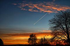 This Morning's Sunrise (13 Nov 2016) (Shaun Grist) Tags: sunrise sun morning clouds trails