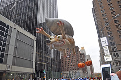 Scrat- Ice Age- Macy's 2016 Thanksgiving Day Parade (D'OtherPix) Tags: scrat iceage macys2016thanksgivingdayparade