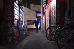 CLUB (Tokyo Street Photography) Tags: ajpscs japan nippon  japanese  tokyo  nikon d750 tokyostreetphotography night nightshot tokyonight nightphotography citylights tokyoinsomnia nightview tokyoyakei  lights hikari  dayfadesandnightcomesalive afterdark timepasses seasonchange fall autumn aki   urbannight club