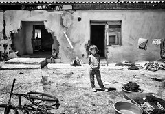 Kosovo (Melissa Favaron) Tags: romacamp kosovo kosova camporom plementine pristina mitrovica albania albanian serbian serbia guerra balcani balkan accampamento bambini balcanwar