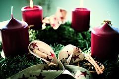 2nd of Advent (camerito) Tags: candles 2nd advent kerze zwei brennen kerzen adventskranz adventkranz masche mesh loop zweiter rot camerito nikon1 j4 1nikkor185mmf18 austria sterreich lit up flickr