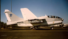 N164TB Vought TA-7C ex BuAer 154477 cn B-117 (eLaReF) Tags: ex cn corsair thunderbird buno vought kdvt b117 154477 ta7c n164tb