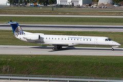 United Express (Chautauqua Airlines) Embraer ERJ-145 N286SK KCMH 27OCT13 (FelipeGR90) Tags: columbus ohio airplane aviation chq eos1d embraer cmh chautauqua planespotting erj regionaljet commercialaviation unitedexpress continentalexpress erj145 portcolumbus emb145 avgeek chautauquaairlines erj145lr e145 kcmh eos1dmarkiii 1d3 n286sk phxspotters