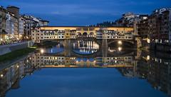 The Old Bridge, Florence (pasaro) Tags: reflection ro florence twilight agua tuscany reflejo florencia firenze bluehour arno toscana pontevecchio crepsculo oldbridge roarno horaazul