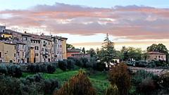 Colle Val d'Elsa Tramonto in autunno (fotografia per passione) Tags: italien sunset canon italia day cloudy tuscany toscana toscane collevaldelsa valdelsa beautifulphoto canoniani marksoetebier