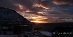 last sun of the year (kjellbendik) Tags: sol norge himmel rd hus finnmark facebook honningsvg bygning magerya byggning naturoglandskap storbukt kjellbendikgmailcom