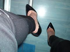 IM006378 (grandmacaon) Tags: highheels classicpumps hautstalons lowcutshoes toescleavage pepejimenez