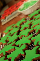 Cookin' | Gingerbread Army (jessthemediastudent) Tags: christmas red green cooking baking cookie gingerbread icing biscuits frosting christmaspresents royalicing