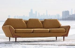 Undisputable Mid Century Modern Atomic Gondola Sofa (U.S.A., 1960s)