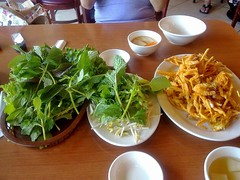 Food -0212- Restaurant (Jetblu) Tags: china street food restaurant eating candid burger shenzhen