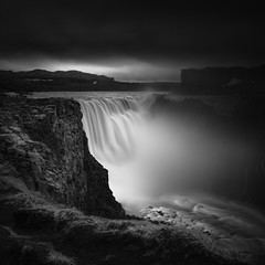 the valley of the darkness (vulture labs) Tags: