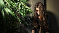 What Do We Learn? (○gus○) Tags: leicacameraagleicam leica leicam leicacameraag summicronm1235asph summicron summicronm12 35mm ƒ28 145 portrait ritratto girl ragazza capelli hair rosso red eye occhio sguardo gaze virginia ʂ