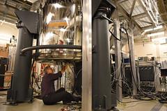 Nuclear Magnetic Resonance spectroscopy (Pacific Northwest National Laboratory - PNNL) Tags: pnnl doe pacificnorthwestnationallaboratory departmentofenergy nuclear magnetic resonance spectroscopy nmr emsl environmental molecular sciences laboratory