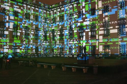 Beleuchtetes Hauptgebäude der Humboldt-Universität zu Berlin [6/7]