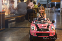 Catharina (Stefan Lambauer) Tags: catharina driver kid infant menina filha car minicooper mini stefanlambauer 2016 brasil brazil santos br criança carro minicarro pink