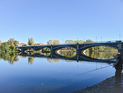 Fishing in the city (Pamela Sia) Tags: fish city cityscape bridge river arquitecture salamanca spain