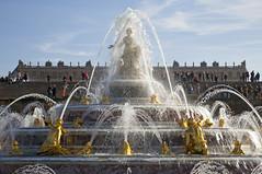 Le bassin de Latone, Chteau de Versailles, France (Thierry Hoppe) Tags: lebassindelatone chteaudeversailles france chateau fontaine jetdeau versailles jardin garden light shadow