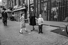 Lee Ave (Roy Savoy) Tags: bw blackandwhite streetphotography street people flickr city