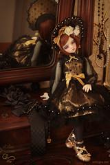 Mirror 3 (Antygea) Tags: bjd ball jointed doll dim dollinmind ariadoll gold laia