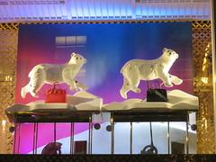 UK - London - Mayfair - Christmas lights - Bond Street - Louis Vuitton window (JulesFoto) Tags: uk england london capitalwalkers ramblers christmaslights mayfair bondstreet louisvuitton polarbear
