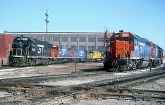 GTW GP38-2 5844 (Chuck Zeiler) Tags: gtw gp382 5844 gp402 6408 railroad emd locomotive clearing chicago chz