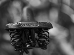 I want to ride my Bicycle II (*Capture the Moment*) Tags: 2016 brooks bern berne bicycle bicycleseat bokeh citytrip citywalk fahrrad fotowalk leather leder minimalism minimalismus sattel vintage bokehlicious handmade monochrome dof schrfentiefe