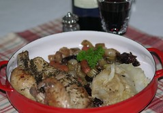 Roasted Chicken with Cabbage and Prunes (Traveling with Simone) Tags: chicken poulet prunes chou cabbage baked carrots celery wine stock indoor meal dish repas dinner lunch food onions oignons herbs herbes persil parsley vin romertopf