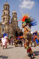 Danzantes 2008 (Rafael Dorantes) Tags: danzantes zapopan mexico tradicin azteca danza 13deoctubre diadeldanzante virgendezapopan rafaeldorantes jalisco danzaazteca indigena aztec guadalajara