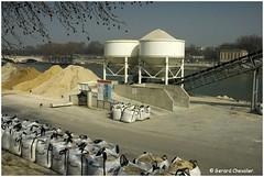 Port de Tolbiac - Paris 13 ème. (gerard21081948) Tags: france paris port exterieur tolbiac seine travauxpublics matériaux sable