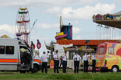 152/365 - Ice cream break (Spannarama) Tags: uk london june blackheath heath policewoman ferriswheel 365 funfair policeofficers icecreamvan policemen helterskelter policevan icecreams