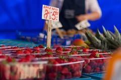 Markt Heerlen (Thomas van de Vosse) Tags: fruit market mark strawberries aardbeien heerlen kraam