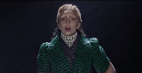 ladygaga-applause-3
