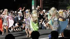 #1712 dancing blondes (Nemo's great uncle) Tags: people tokyo samba  asakusa taitoku   asakusacarnival  kaminarimondri