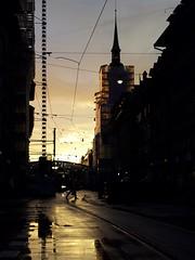 Berne (AincaArt) Tags: reflection church rain mobile crane kirche bahnhof bern berne kran spiegelung regen heiliggeistkirche mungga aincaart