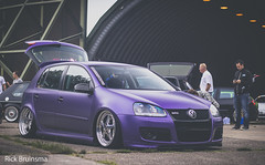 Volkswagen Golf V - OZ Mito (Rick Bruinsma) Tags: car canon germany golf volkswagen tdi big ride purple air low meeting chrome static brake kit bags gti poliert farbe base treffen duitsland slammed stance weeze paars camber mkv airride mk5 dub05 folien stanced stanceworks stancenation stancedout volkstyle