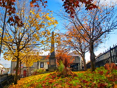 autumn obelisk B (museque) Tags: