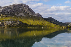 . (Hedrael) Tags: espaa mountain canon reflections landscape spain paisaje montaa mallorca reflejos majorca baleares paisatge tramuntana canon24105 canon7d